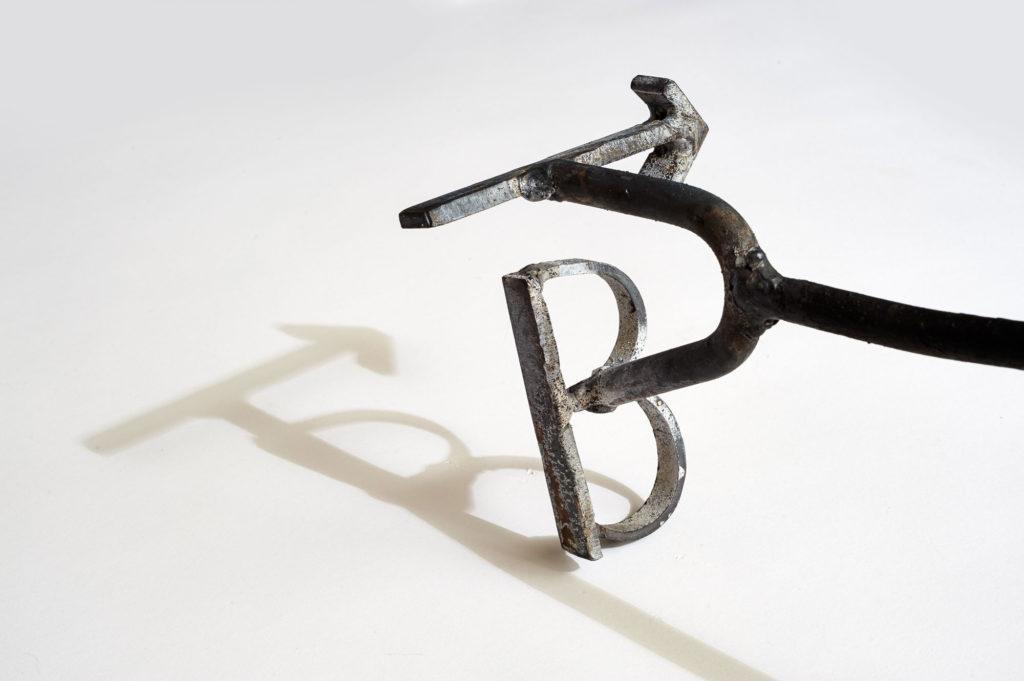 arrow-b-brand